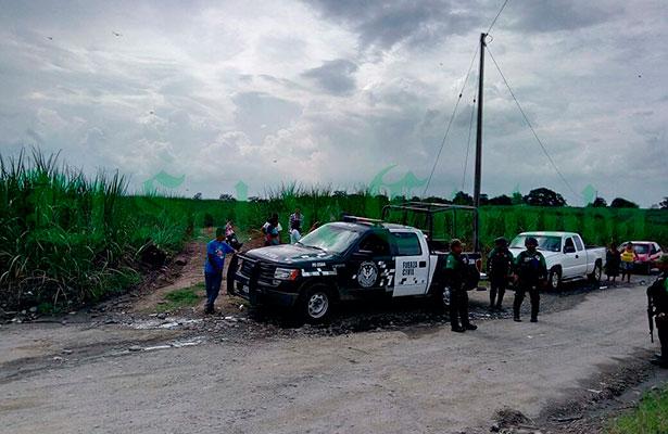 Detienen a huachicolero con tres camionetas con gasolina robadas
