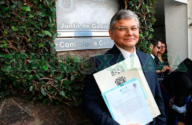 Replantear gestión de la deuda de la UV: Jorge Manzo
