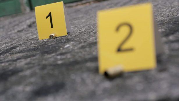 Asesinan a tiros a un hombre frente a gasolinera