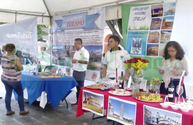 Difunden turismo nacional alumnos de la ESBAO