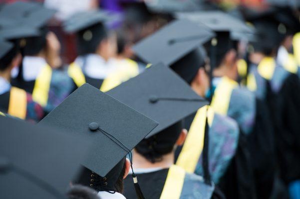 Siete personas se quejan por servicios de graduación: Profeco