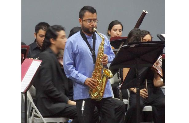 Ofrece recital el clarinetista Israel Aragón