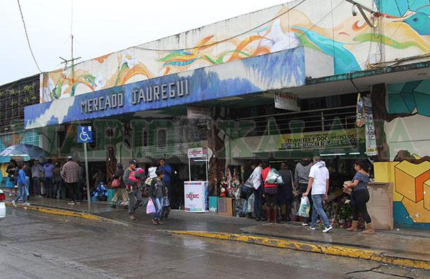Intento de desalojo en el Jáuregui fue impedido por locatarios