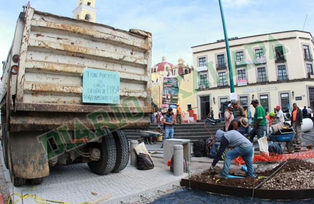 Paran materialistas obra de rehabilitación de la avenida Enríquez