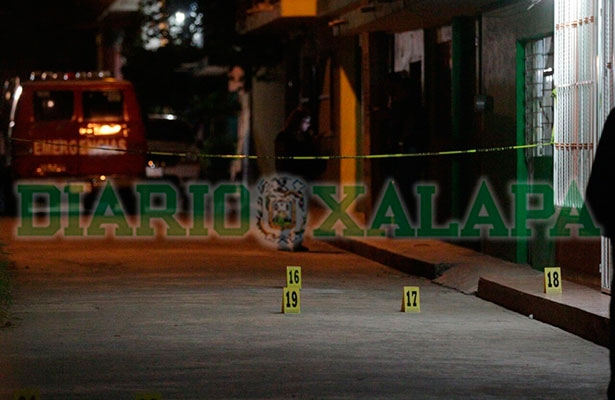 Matan a puñaladas a taxista en la colonia Rafael Lucio