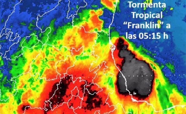 Franklin se debilita a tormenta tropical y ya está en Puebla