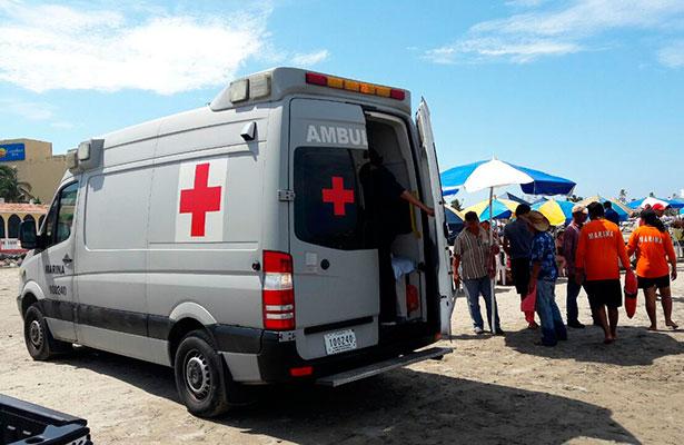 Brinda apoyo la Secretaría de Marina en playa del puerto