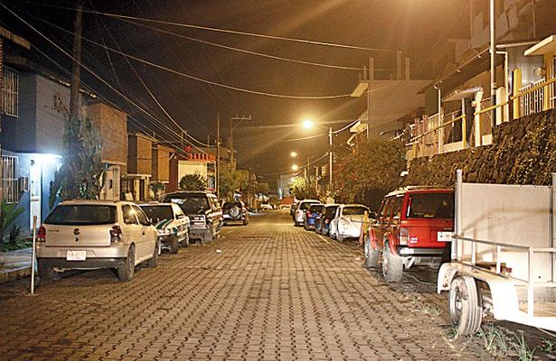 Tiran en calles de Xalapa y Martínez de la Torre a jovencitas semidesnudas