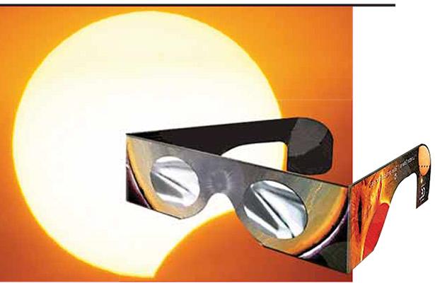 Exhortan a ver el eclipse con instrumentos para proteger los ojos