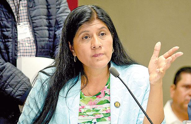 Alcaldes deben responder por uso de fondos federales, dice diputada