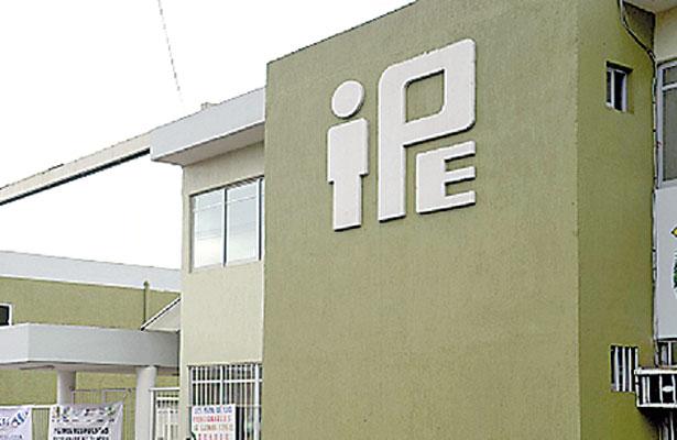 """""""Excesiva"""" injerencia del gobierno cuestiona autonomía del IPE, señalan"""