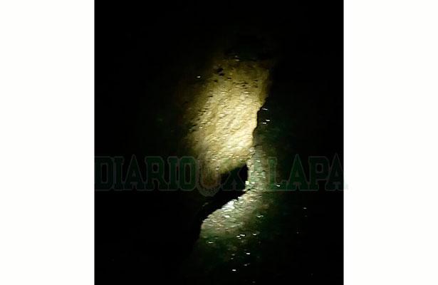 Socavón en el tramo Catemaco—Hueyapan de Ocampo afecta la circulación