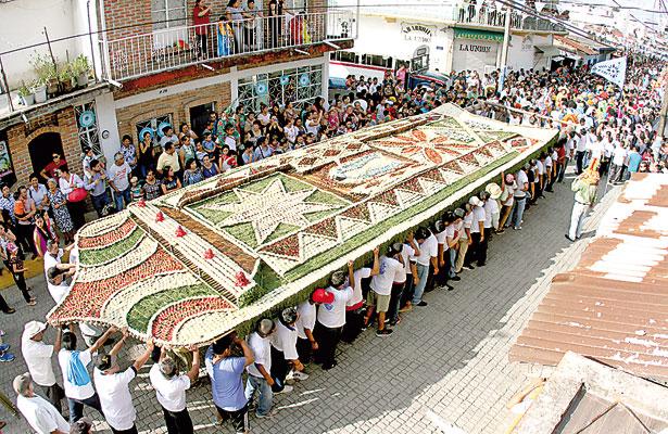 Teocelo festeja a su santa patrona; participaron miles de fieles