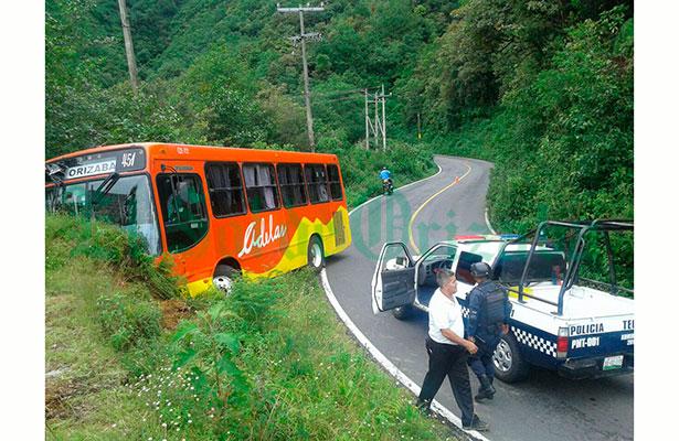 Se salió de la carretera autobús 'Adela'