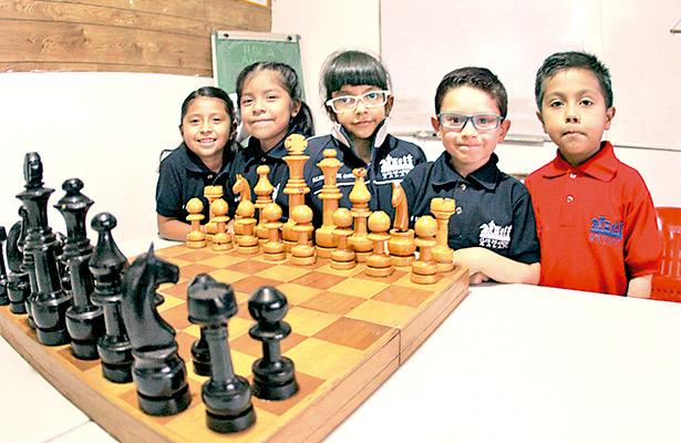 5 xalapeños menores de 8 años, al Panamericano de Ajedrez Chile 2018