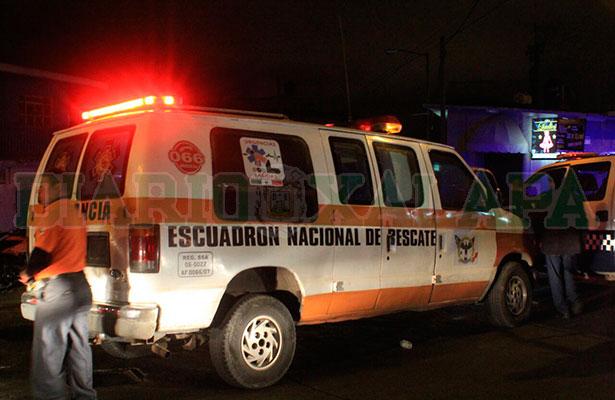 Hombres armados entran a bar y golpean a los clientes, en Xalapa