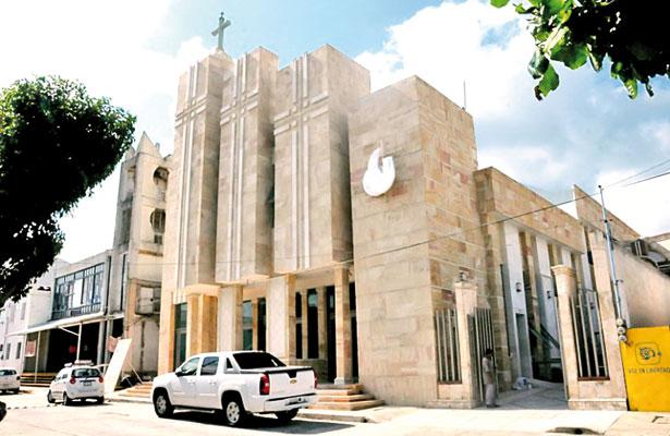 4 heridos tras balazos fuera de iglesias; intentan secuestrar a feligrés