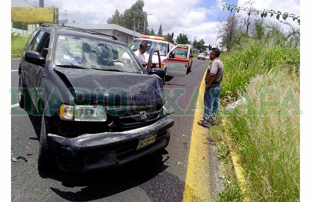 Vehículos destrozados  en choque sobre  la Xalapa-Veracruz