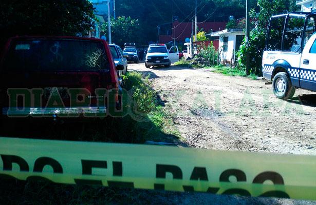 Tiran cadáver de  hombre torturado en calles de la Mártires de Chicago en Xalapa