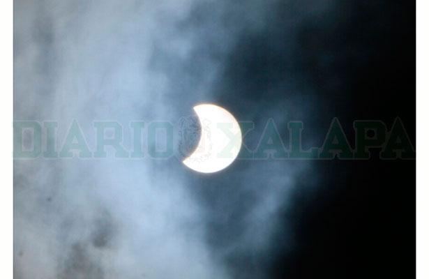 Expectación por eclipse de sol en Xalapa