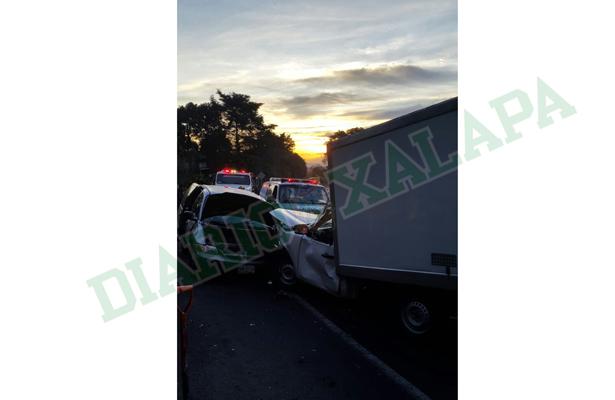 Fuerte accidente en la Xalapa-Perote deja tres heridos