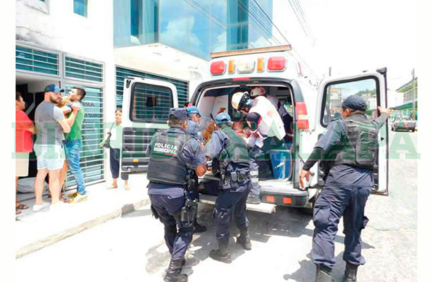 Muere ginecóloga tras haber sido apuñalada en su consultorio, en Martínez de la Torre