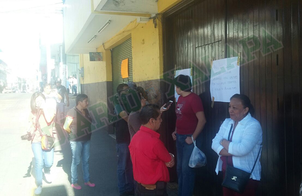 Trabajadores de La Locomotora se manifiestan en contra de su jefe