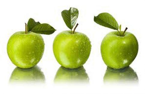 La manzana verde posee un poder antioxidante extraordinario para que tu cabello crezca sano.