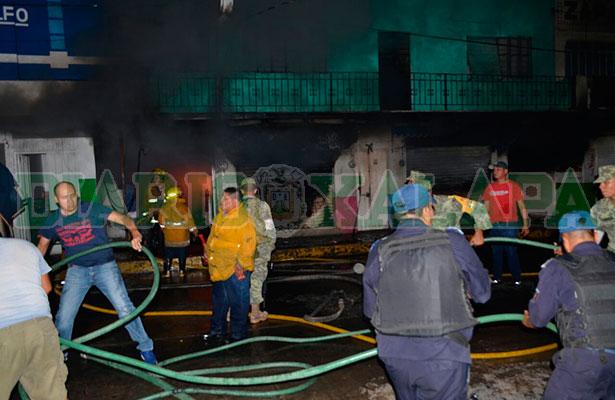El fuego acabó con el mercado de Martínez de la Torre