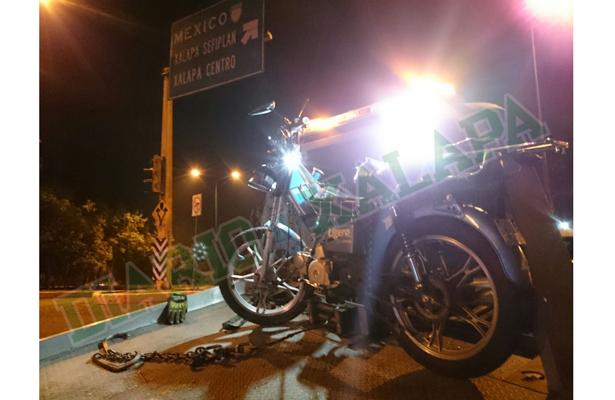 Motociclista se estrelló contra auto en Circuito Presidentes