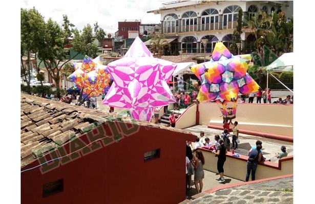 Muestran en Xalapa un poco del Festival Internacional del Globo de San Andrés Tuxtla
