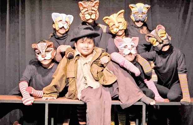 Invitan al estreno de Ópera para gato y tenor en 7 vidas
