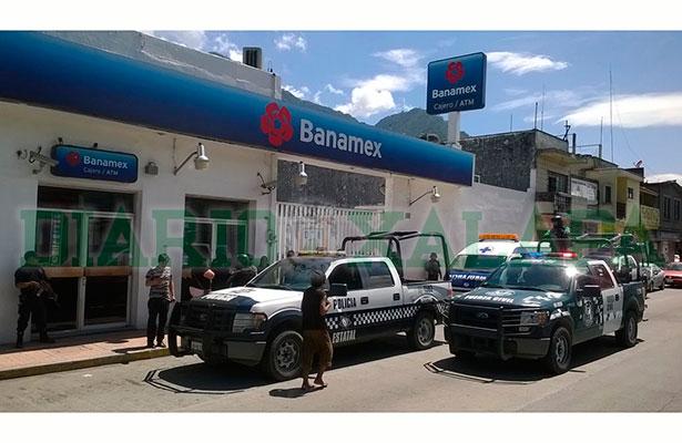 Empistolados asaltan sucursal de City-Banamex en Río Blanco