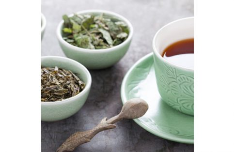 El té verde y el extracto de limón son ideales para combatir los dañinos radiacles libres.