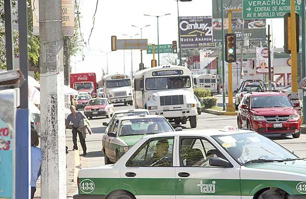 Programas de movilidad urbana no han funcionado, señalan automovilistas