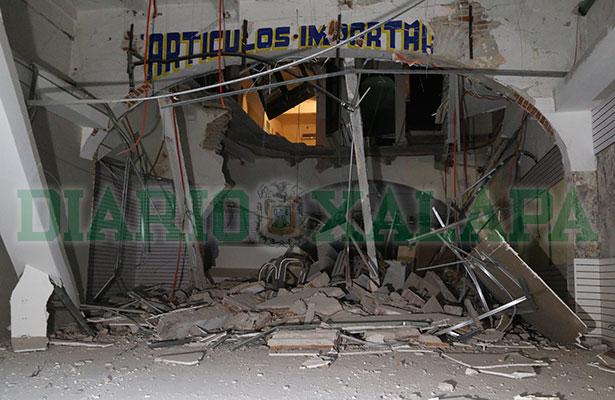 Colapsa piso de edificio del Centro Histórico de Veracruz y lesiona a 3 personas