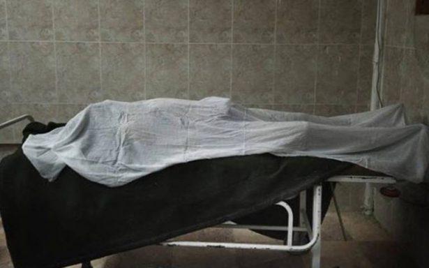 Hallan a estudiante de enfermería sosteniendo relaciones sexuales con un cadáver