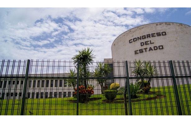 Caerá el primer alcalde; turnan dictamen de desafuero contra el de Coxquihui