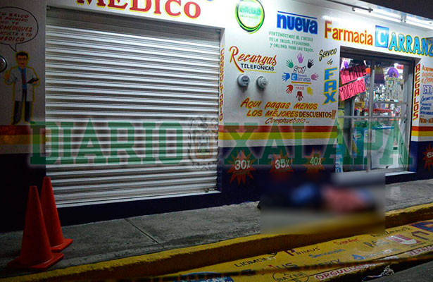 Matan a dueño de farmacia durante atraco
