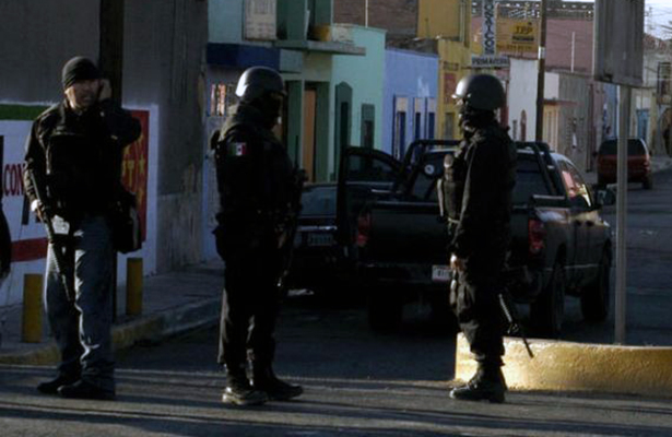 "Hombres armados ""levantan"" a directora de kínder"