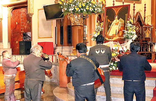 Protección, salud y trabajo, piden músicos xalapeños a Santa Cecilia
