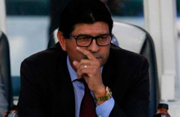 Tiburones Rojos destituye a José Cardozo como director técnico