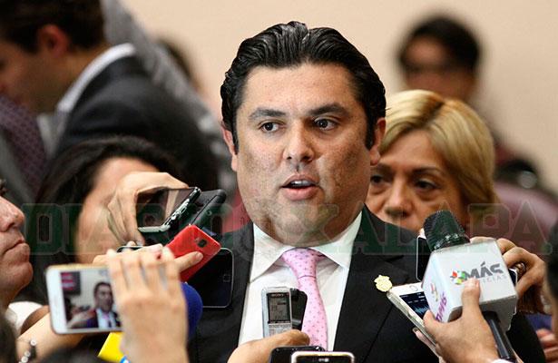 Comisión de Víctimas debe proteger a  familia de Santana Bahena: Vicente Benítez