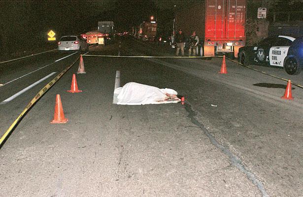 Muere exempleado municipal tras ser atropellado por un tráiler