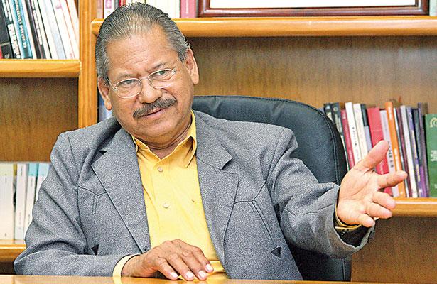 Acusan a alcalde de Ángel R. Cabada de quitar pipa a Bomberos