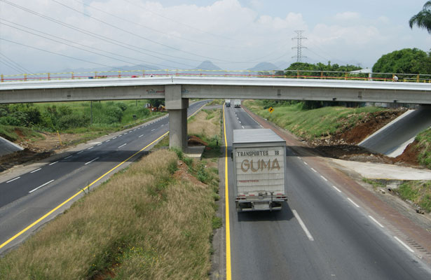 SCT tendría irregularidades en carreteras de Veracruz