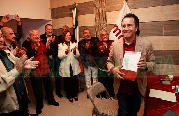 Se registra Cuitláhuac como precandidato a gobernador por Morena