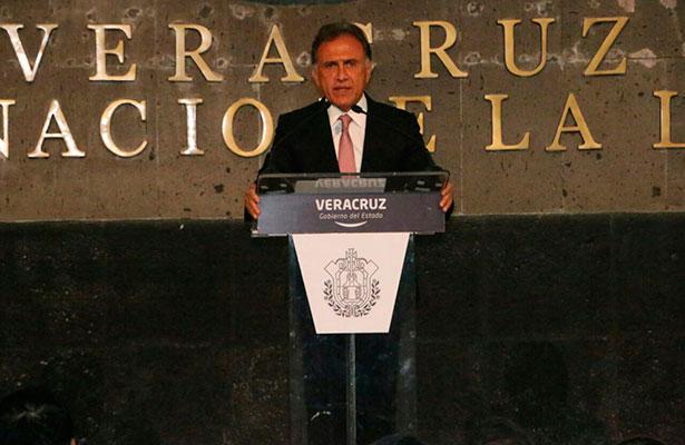 Reta Yunes Linares a AMLO a debatir este viernes en Álamo