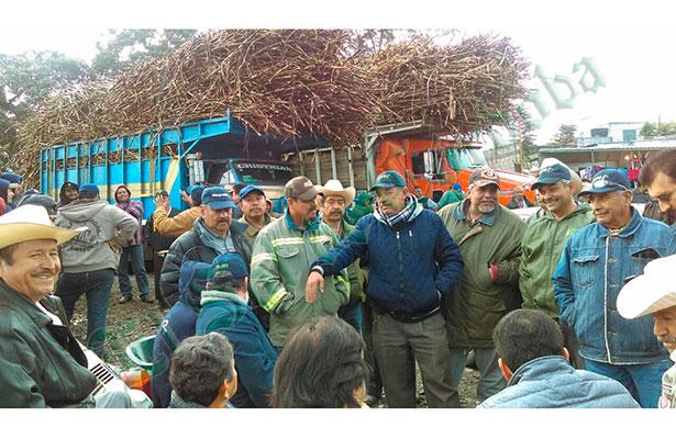 Productores y líderes de la CNPR y CNC bloquearon el ingenio El Potrero