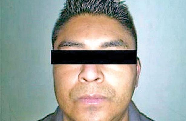 Reo veracruzano aparece ahorcado en el penal de Topo Chico